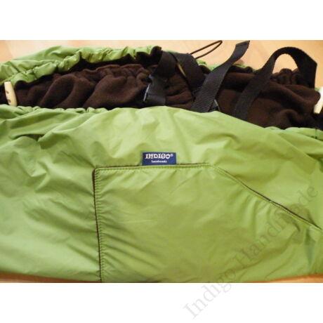 zöld-csoki hordozós takaró